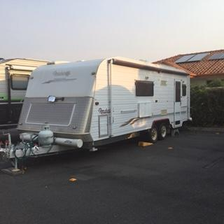 Roadstar 2003 22 ft Semi Offroad Dual Axel Caravan.