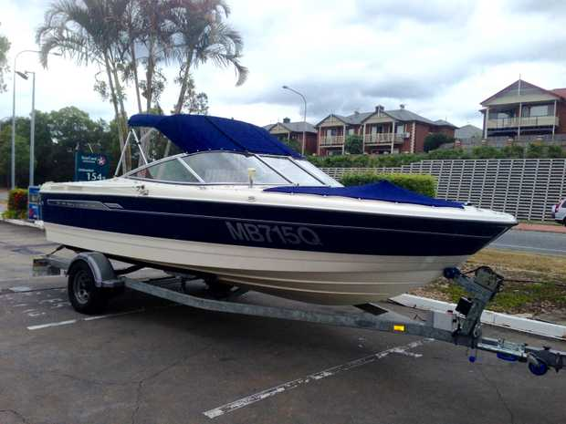 215 Sport. V8/5L Mercruiser.