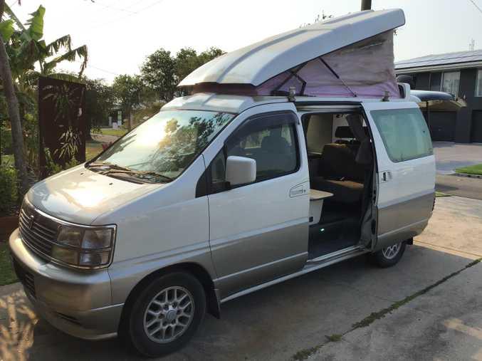 Campervan Nissan Elgrand