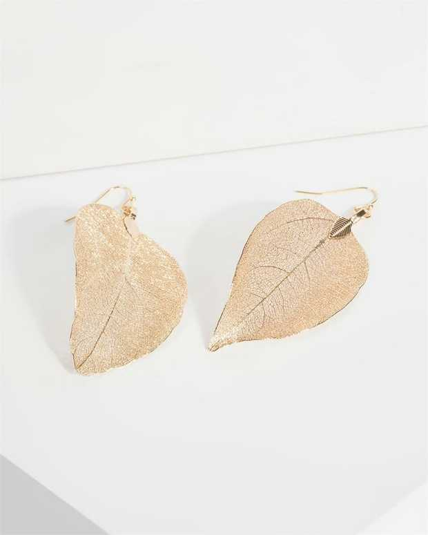 Part of our Comin in Hot collection Make a fashion statement with our gorgeous earrings. This gold leaf...