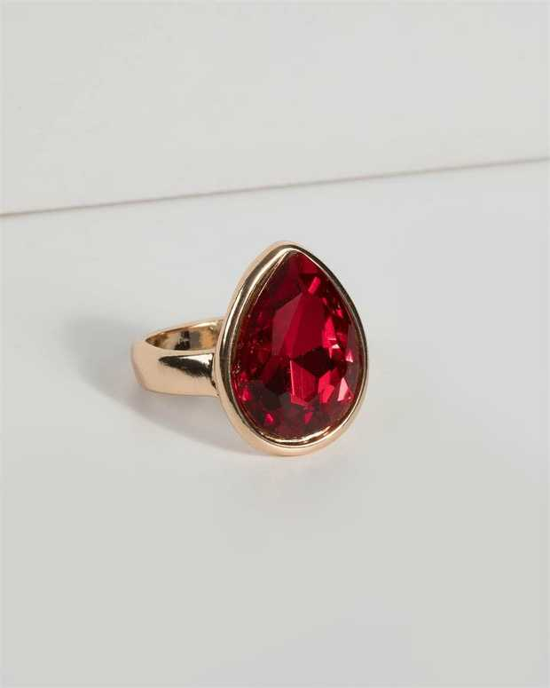 Part of our Comin in Hot collection Make a fashion statement with our stunning rings. This red crystal...
