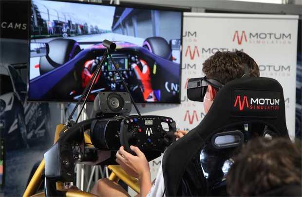 Virtual Reality Racing Experience - 45 Minute Simulator: