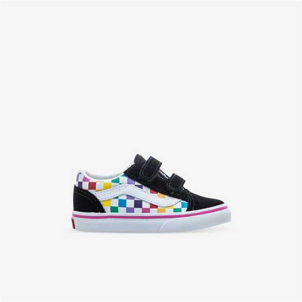 The first to bear the iconic side stripe, the Vans Soft Suede Old Skool is a low top lace-up shoe. It...
