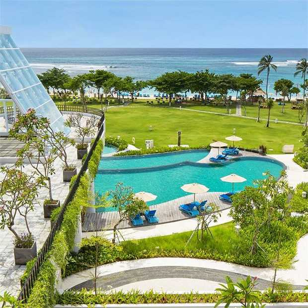 Discover the spirit of high-end Bali at a beachfront sanctuary perched on the sparkling shores of Nusa...