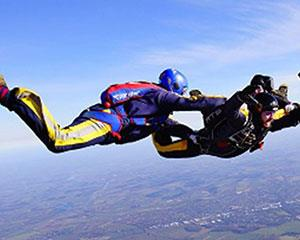 Get the ultimate shot of adrenaline as you jump solo out of an aeroplane! To become dive ready, you...