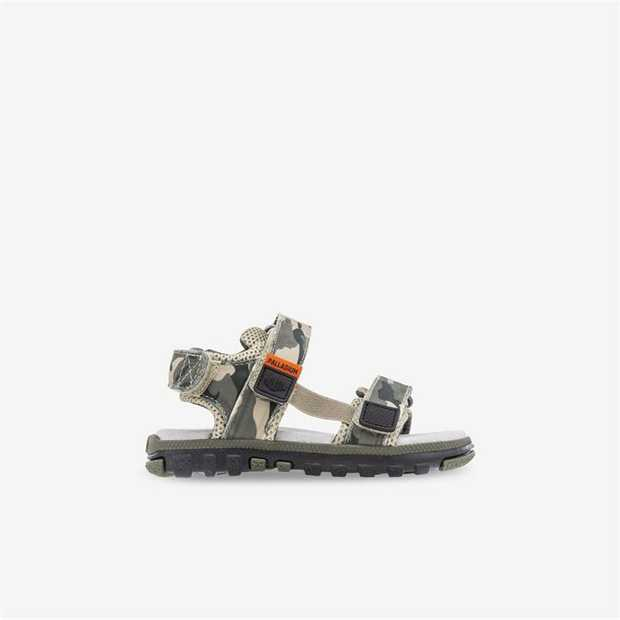 A practical Palladium take on the quitessential kids sandal. Easy to get on and off with their velcro...