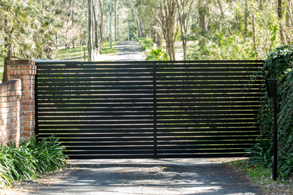 SCAPMORE FENCING    Free Quotes!     Color Bond  Post &...