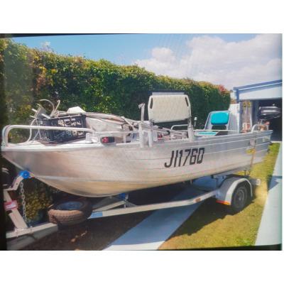14.1' Tinny & Trailer    2 motors - 1 20HP Evinrude, 1 Auxiliary, brand new marine batt...