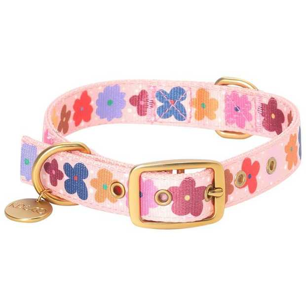 For dogs with personality, let them show it off with the Kip & Co Dog Collar Posie. This...