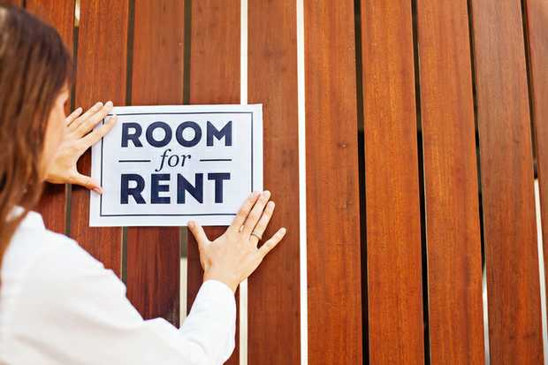 BROOKVALE HOUSE Share with one other. Off street parking. $330 P/W Call Geoff