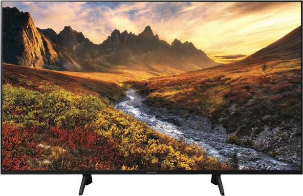 See images easily without straining with this Panasonic TV's 55-inch screen. It has an LED display.