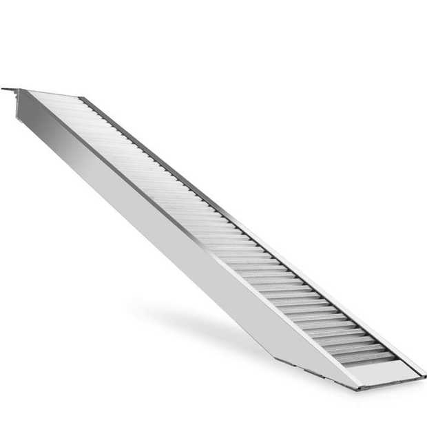 The BULLET™2.5m loading ramp weighs an easily manageable 19kg whilst being able to support...