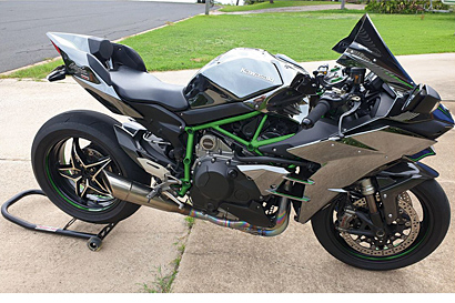 KAWASAKI 2015 NINJA H2 Supercharge,Model No ZX1000NFF, 22,000km in excellent condition.$24,500 Ph...