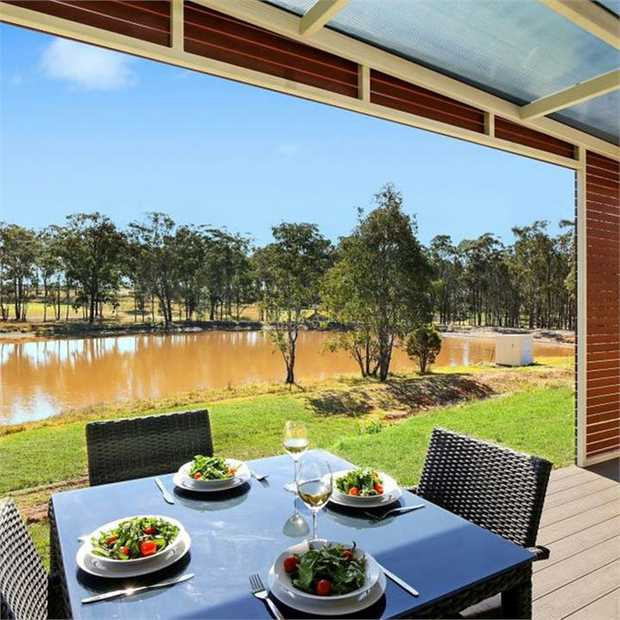 Indulge in a quintessential vineyard stay in the heart of the world-famous Hunter Valley at IronBark...