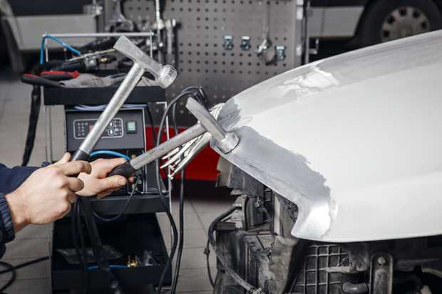 We require a Qualified Panel Beater (Contract or Wages) with experience in the repair of prestige...