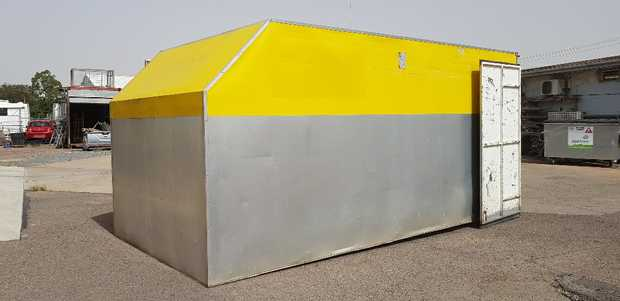 Removable pantec bodies (nil floor)    4.5L x 2.15W x 2.1H. Suit truck tray or storage shed, profess.