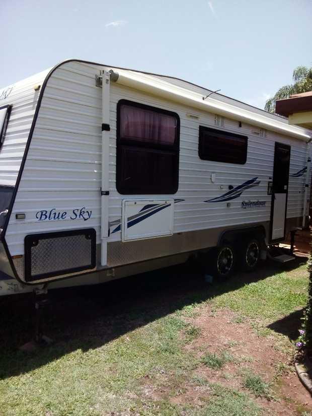 22.6FT BLUE SKY SPLENDOR DEC 2013   11 Months Rego, Queen Bed, Solar, 3 Way Fridge, Washing Machine...