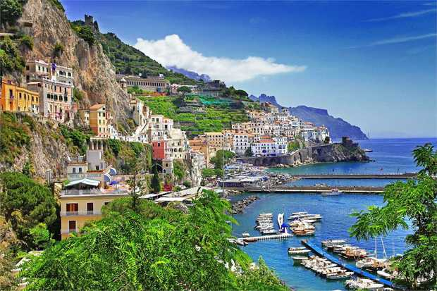 Cycle through the heart of Southern Italy from Puglia to the Amalfi Coast on an 8 day cycle tour.