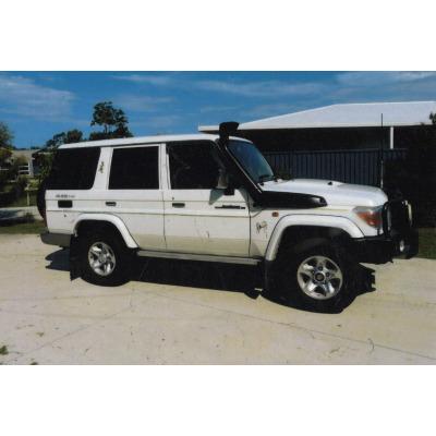 2007 Landcruiser V8 GXL wagon   T/bar, spotties, dual batt, ERP, LR fuel tank, UHF, diesel power...