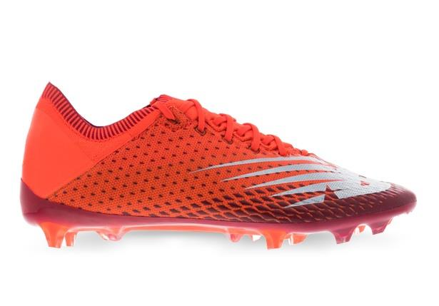 New Balance Furon v6 Destroy boasts explosive power with its woven boot construction, zonal stretch and...