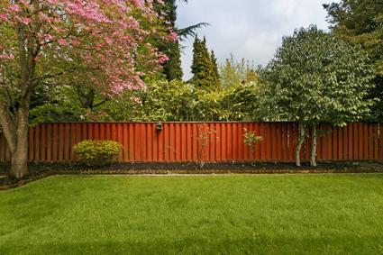 QUICKSILVER FENCING     Colorbond  Weldmesh  Pool Fencing  Gates & Repairs.   Brett:...