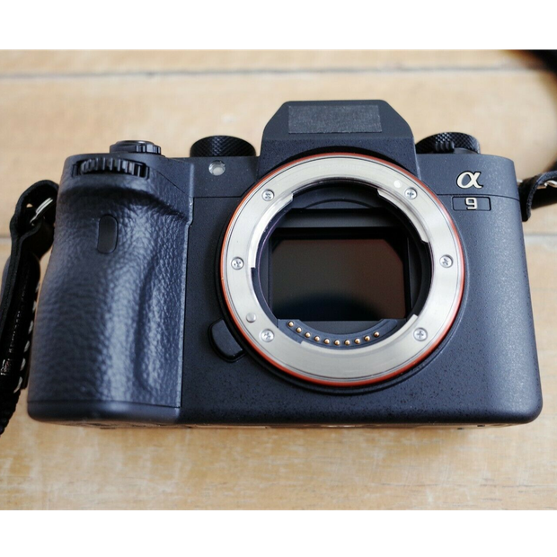 Sony Alpha A9 Digital Camera - low shutter count #6804 please see photos, comes with a battery, a...