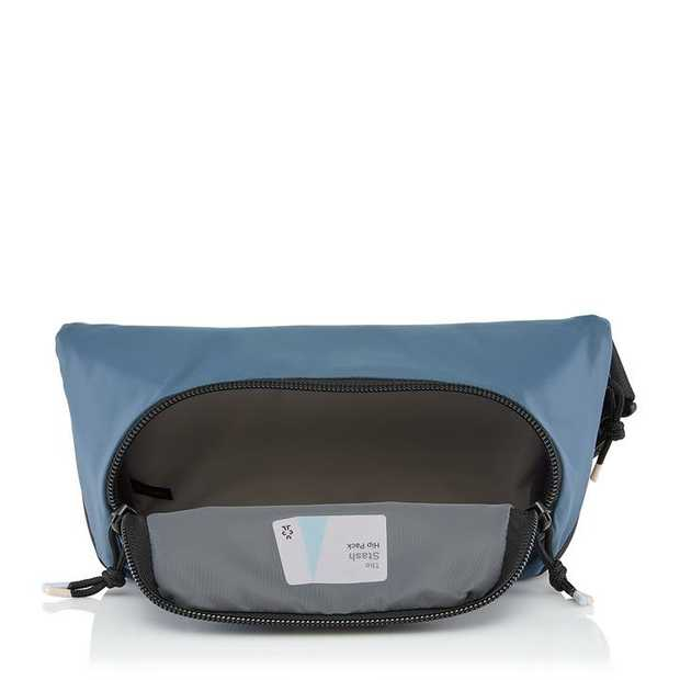 Looking for a waist pack that not only looks good but can also expand with your day-to-day needs? The...