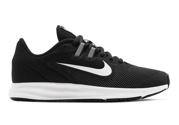 The Nike Downshifter 9 Grade School continues with its sleek design and features a soft breathable mesh...