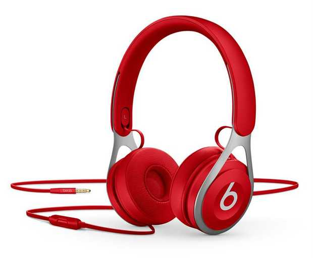 Powered by fine-tuned acoustics Battery-free for unlimited playback RemoteTalk cable Adjustable...
