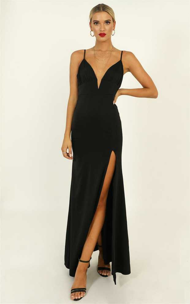 You'll love the Belle Of The Ball Maxi Dress! This gorgeous maxi dress features a solid colour...