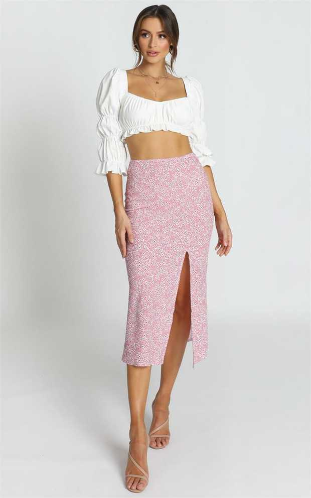 Look stunning in this In My Arms Skirt. Featuring floral detailing and a midi length, it is the perfect...
