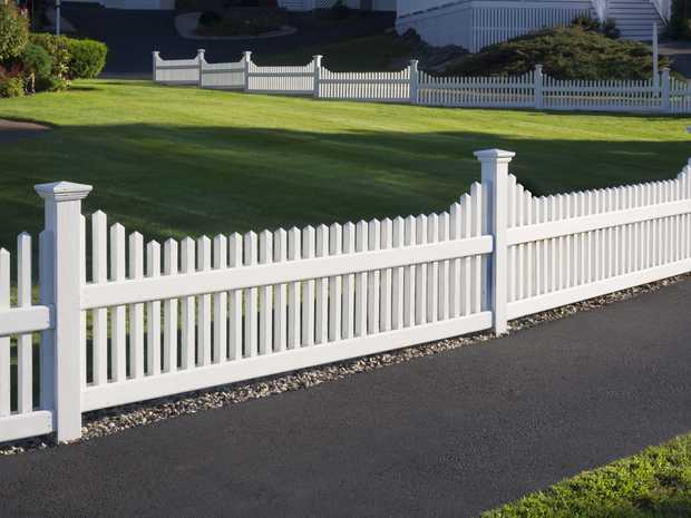 Need a Fence?   Free Quotes & Fully Insured   Specialising in   Pool...
