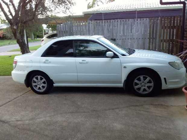 2006 model, Sedan, White,   Luxury Model, Leather interior, Sunroof,   98,000...