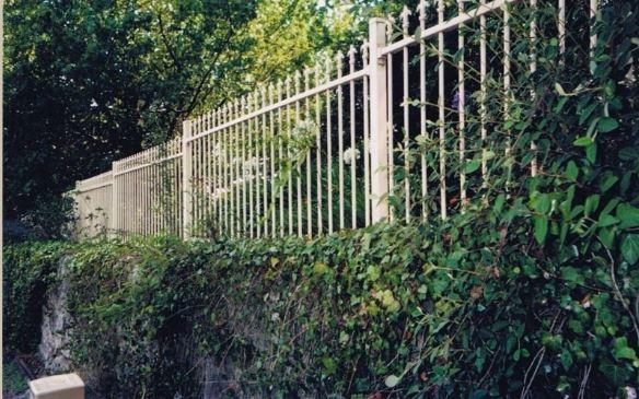 Breese through your fencing!   ★Timber   ★ Brushwood   ★ Pool   ★ Decks   ★...
