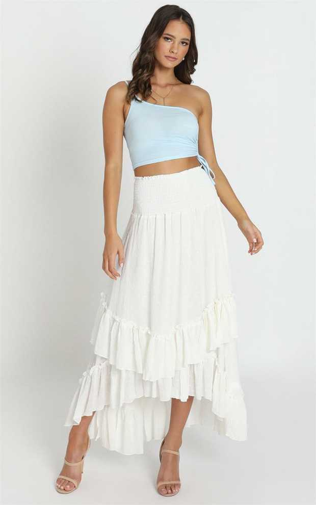 We're obsessed with this seasons hottest maxi skirt! Show off that body with this piece which features...