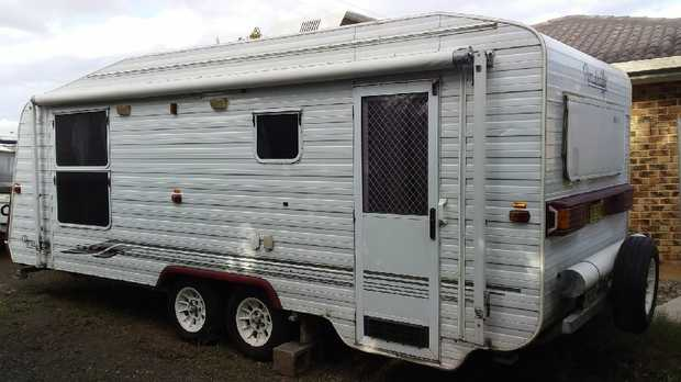 Roadstar 2004 Tandem Caravan