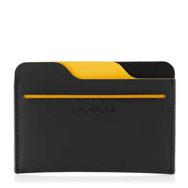 The Slew card holder is sleek and un-fussy for the unencumbered and swift. Simple and helpful it holds...