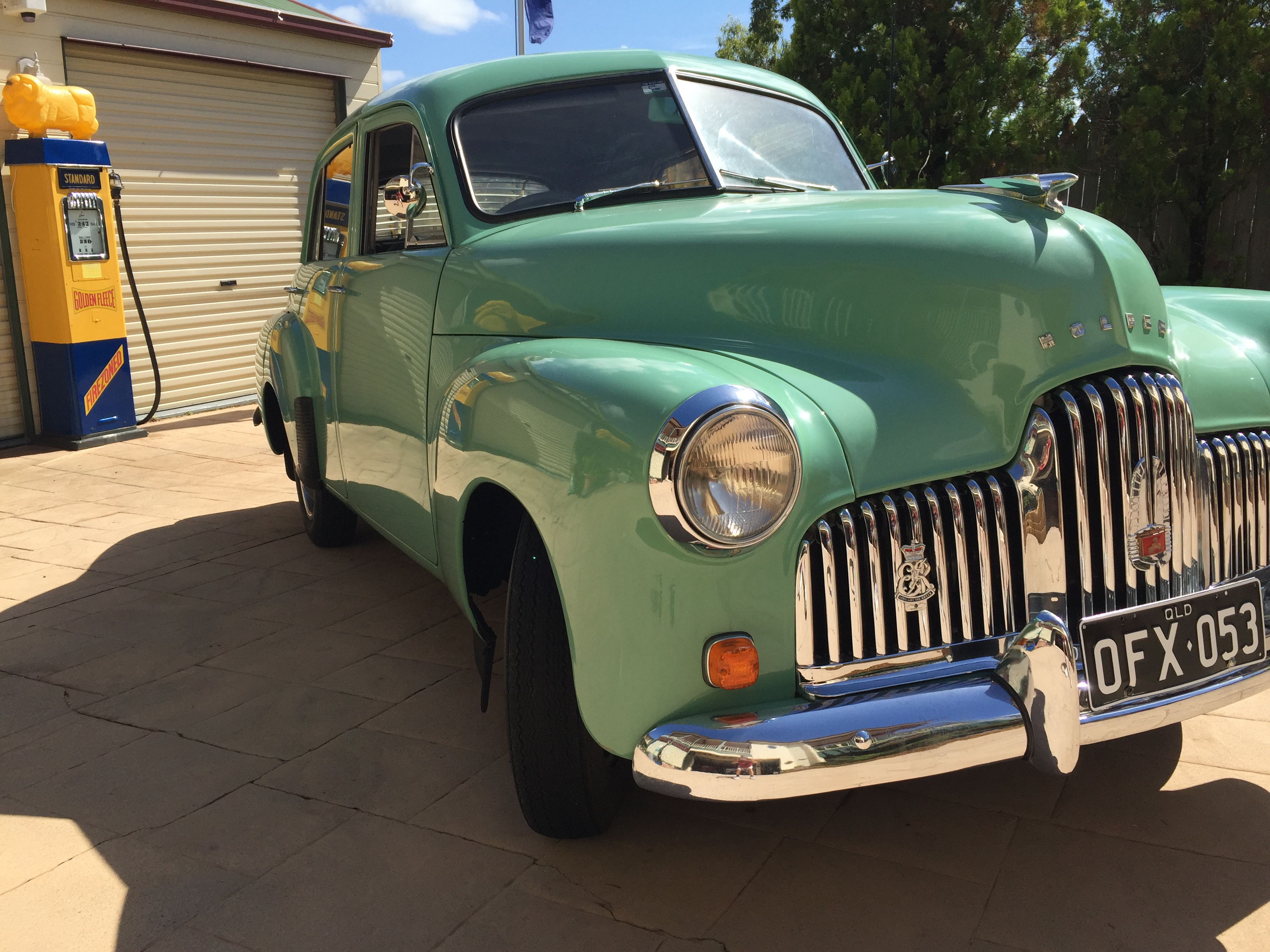 HOLDEN 48 - 215 FX