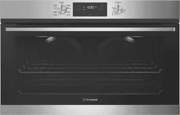 This Westinghouse 90cm Electric Oven - Stainless Steel WVE915SC has a 116 litre usable capacity with...