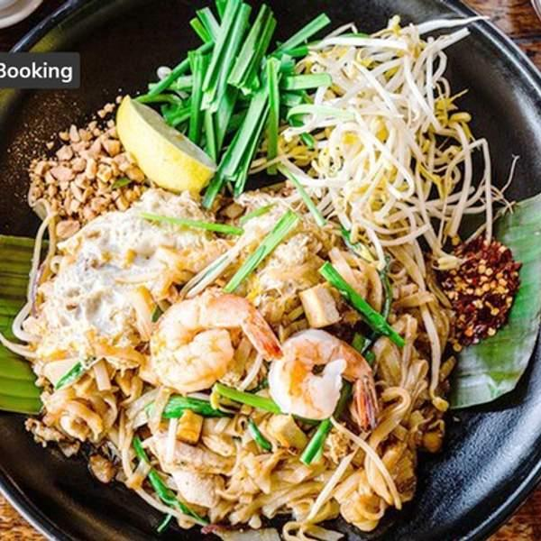 Looking for a tasty authentic Thai lunch to satisfy those cravings? We recommend strolling on down to...