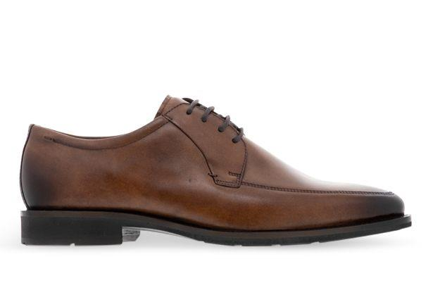 The Ecco Calcan shoe is designed with a minimalism approach for impeccable sophistication. The shoe...