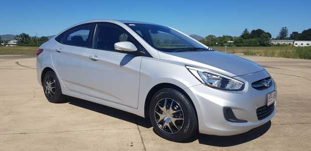HYUNDAI ACCENT AUTO SEDAN  