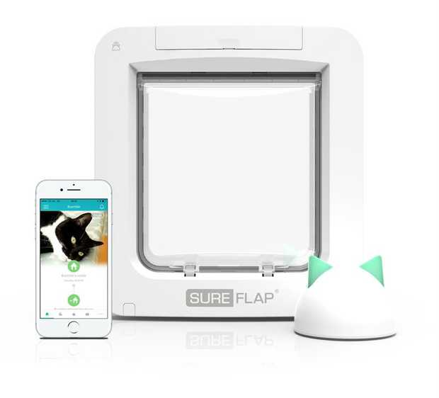 Sureflap Microchip Connect Pet Door + Wireless Connect Hub Combo Set - Door + HUB