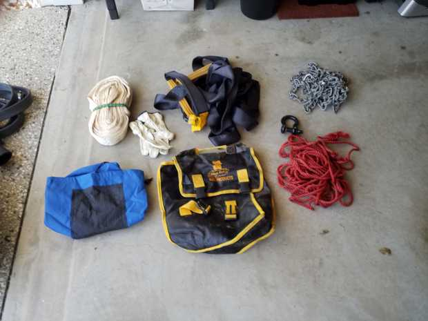 Black Rat retrival equipment,  inluding snatch strap,  retrieval rope and cord. Also POWER JAC  heavy...