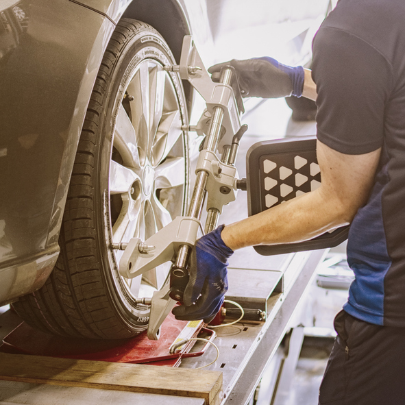 Experienced Tyre Fitter   
