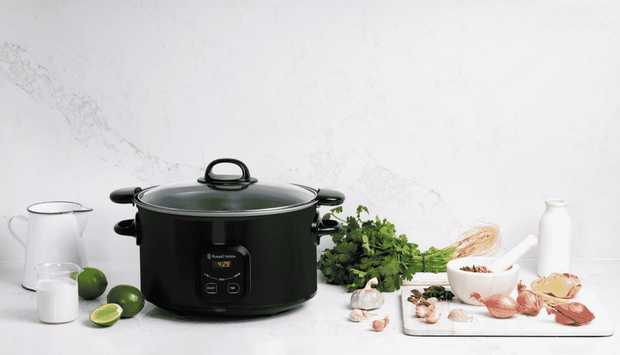 This Russell Hobbs cooker is a slow cooker. Its 6 litre capacity helps you end a hectic day with a...