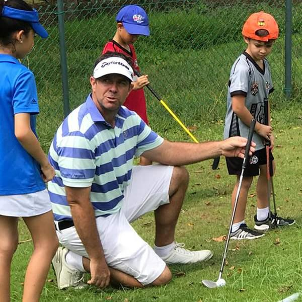 Swing into a whole new skillset with today's offer for four weeks' worth of golf lessons from Champions...