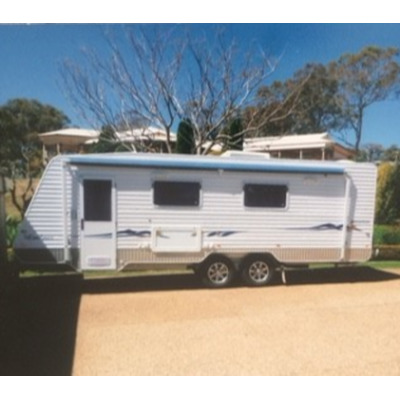 Evolution Luxliner 2011, 23' semi off-road, always shedded, generous kitchen, ens & oversized...