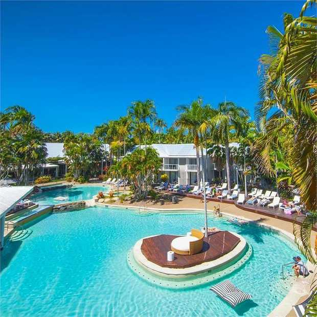 The tropical climate and sandy beaches of beautiful Port Douglas beckon with a stay at Oaks Port...