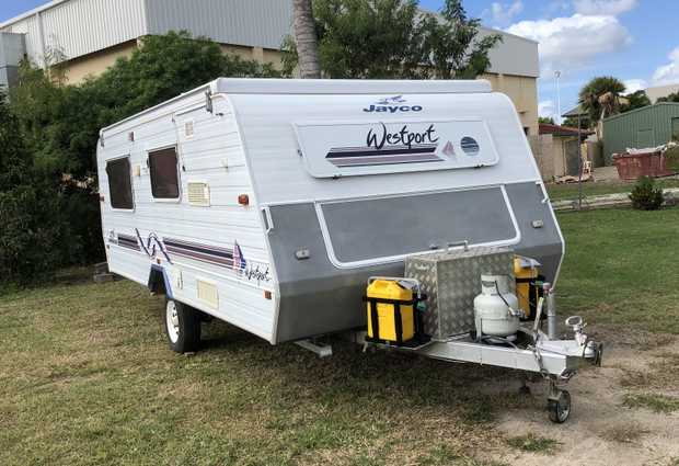 2001 17ft Jayco Poptop     Excellent condition  solar panel  air con  new 2KVA...